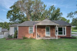 902 N Kiger Rd, Independence, MO 64050