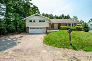 17 Sunset Dr, Dover, NH 03820