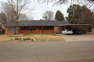 702 W Grant St, Dimmitt, TX 79027