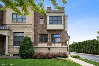 177 N Hickory Ave, Arlington Heights, IL 60004