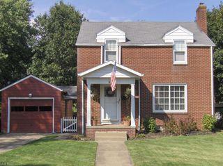 801 Spangler Rd NE, Canton, OH 44714