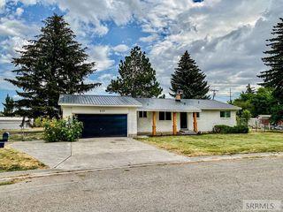 820 N Bergeson Dr, Idaho Falls, ID 83401