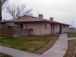 9565 Flores Dr, San Joaquin, CA 93660