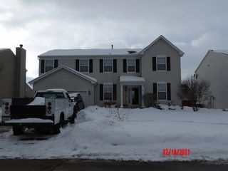 395 Gregory M Sears Dr, Gilberts, IL 60136