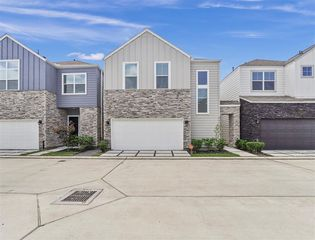 8807 Hollister Pine Ct, Houston, TX 77080