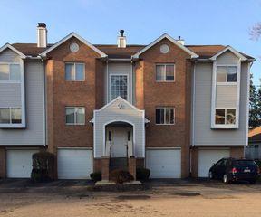361 Village Pointe Dr #D, Akron, OH 44313