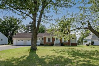 6674 Broadview Rd, Parma, OH 44134