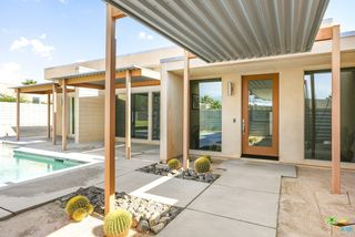1034 Solace Ct, Palm Springs, CA 92262
