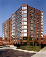7450 N Rogers Ave, Chicago, IL 60626