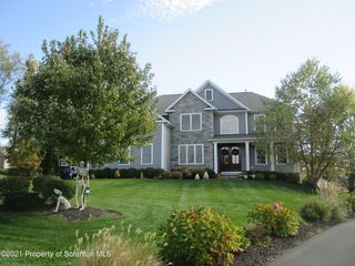110 French Manor Rd, Clarks Summit, PA 18411