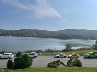 144 Lakeside Dr W, Belvidere, NJ 07823