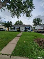 3722 14th Ave, Moline, IL 61265