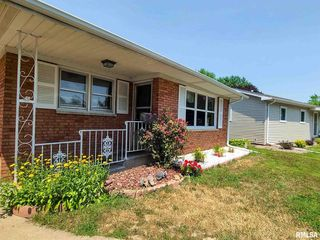 443 32nd Ave, East Moline, IL 61244