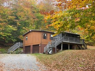 763 Hollywood Rd, Old Forge, NY 13420