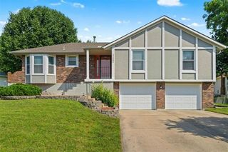 17304 E 51st Terrace Ct S, Independence, MO 64055