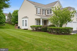 1 Redtail Ct, West Chester, PA 19382
