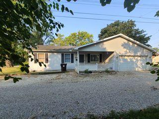 703 W Johnson St, Clinton, IL 61727