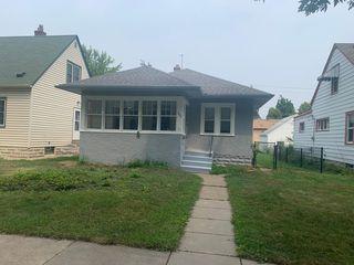 1025 Rose Ave E, Saint Paul, MN 55106