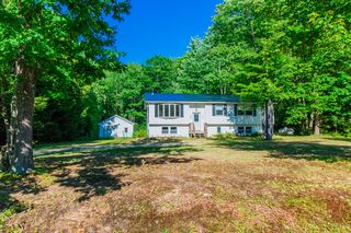 18 Brookside Ave, Livermore Falls, ME 04254