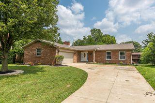 1325 Post Oak Rd, Lexington, KY 40517