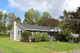212 Sally Dr, Clarks Summit, PA 18411