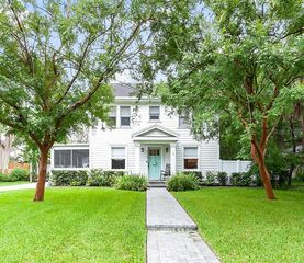 712 W Indiana Ave, Tampa, FL 33603