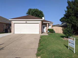 7108 Park Creek Cir W, Fort Worth, TX 76137