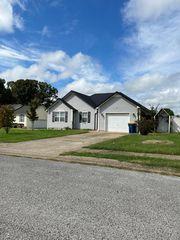 210 White Oak Ct, Bowling Green, KY 42101