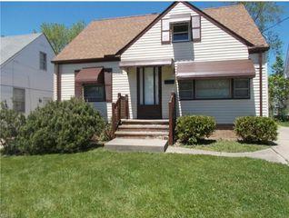 19403 Raymond St, Maple Heights, OH 44137