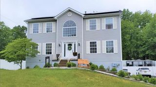 112 Anna Ct, Middletown, NY 10941