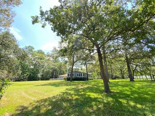 153 Woodway Dr, Magnolia, TX 77355