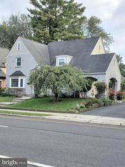 407 Sanhican Dr, Trenton, NJ 08618