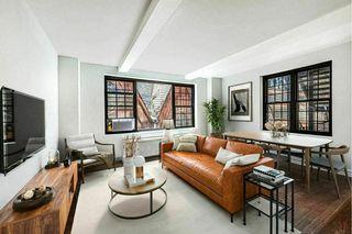 102 E 22nd St #5G, New York, NY 10010