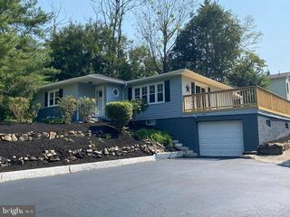 276 Spring Hollow Rd, Phoenixville, PA 19460