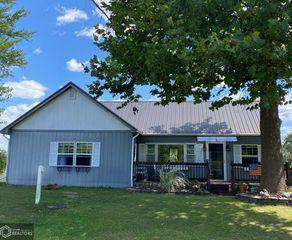 812 Lake Rd, Ottumwa, IA 52501