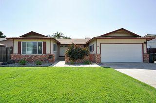 597 Wood Ln, Lemoore, CA 93245