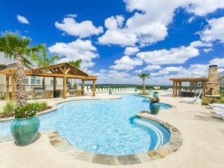 5565 Mansions Blfs, San Antonio, TX 78245