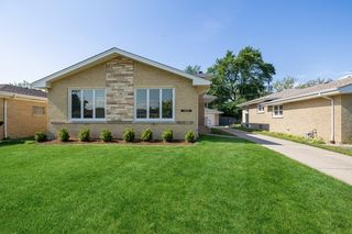 11020 Nelson St, Westchester, IL 60154