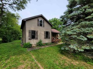 239 Nelson St, Sharon, WI 53585