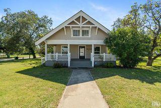 700 W College Ave, Comanche, TX 76442