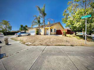 1015 Eagle Dr, Salinas, CA 93905