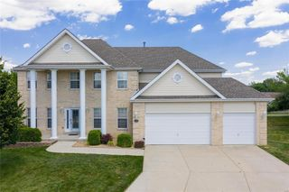 1002 Thoroughbred Ct, Swansea, IL 62226