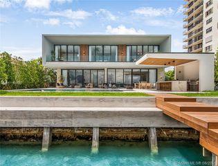 831 N Venetian Dr, Miami Beach, FL 33139
