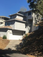 635 Tamarac Dr, Pasadena, CA 91105