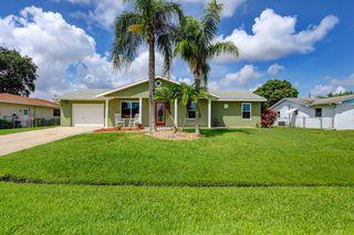 422 SE Lamon Ln, Port Saint Lucie, FL 34983