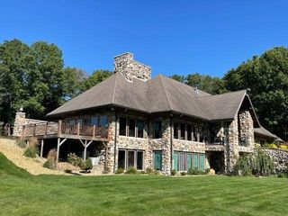 11060 County Road 10, Middlebury, IN 46540