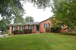10212 Meadow Hollow Dr, Mint Hill, NC 28227