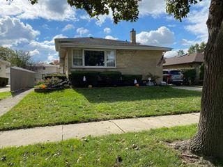 4633 W 106th St, Oak Lawn, IL 60453