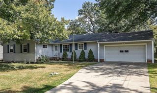 865 Eastlawn Dr, Highland Heights, OH 44143