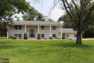 3333 Country Club Ln, Fort Madison, IA 52627